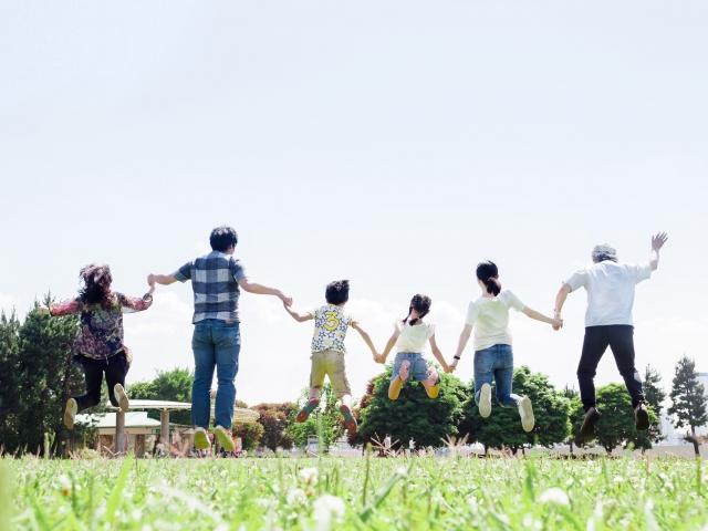 幸せ、家族、元気、ジャンプ